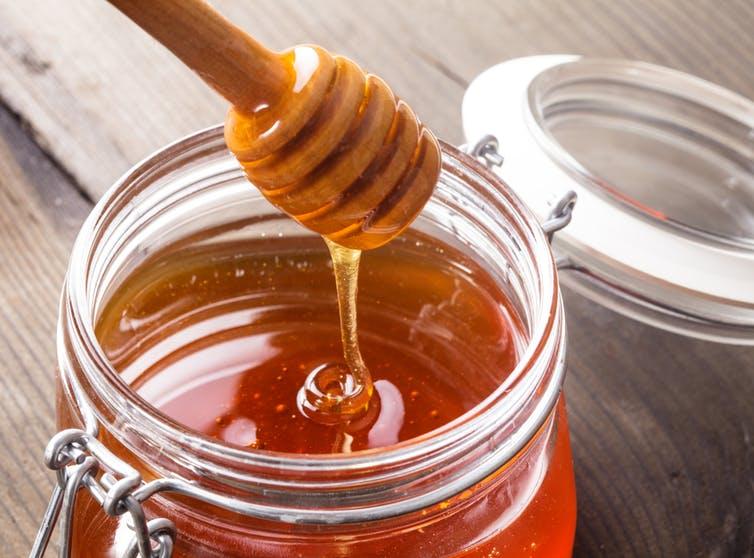 ساکاروز عسل طبیعی